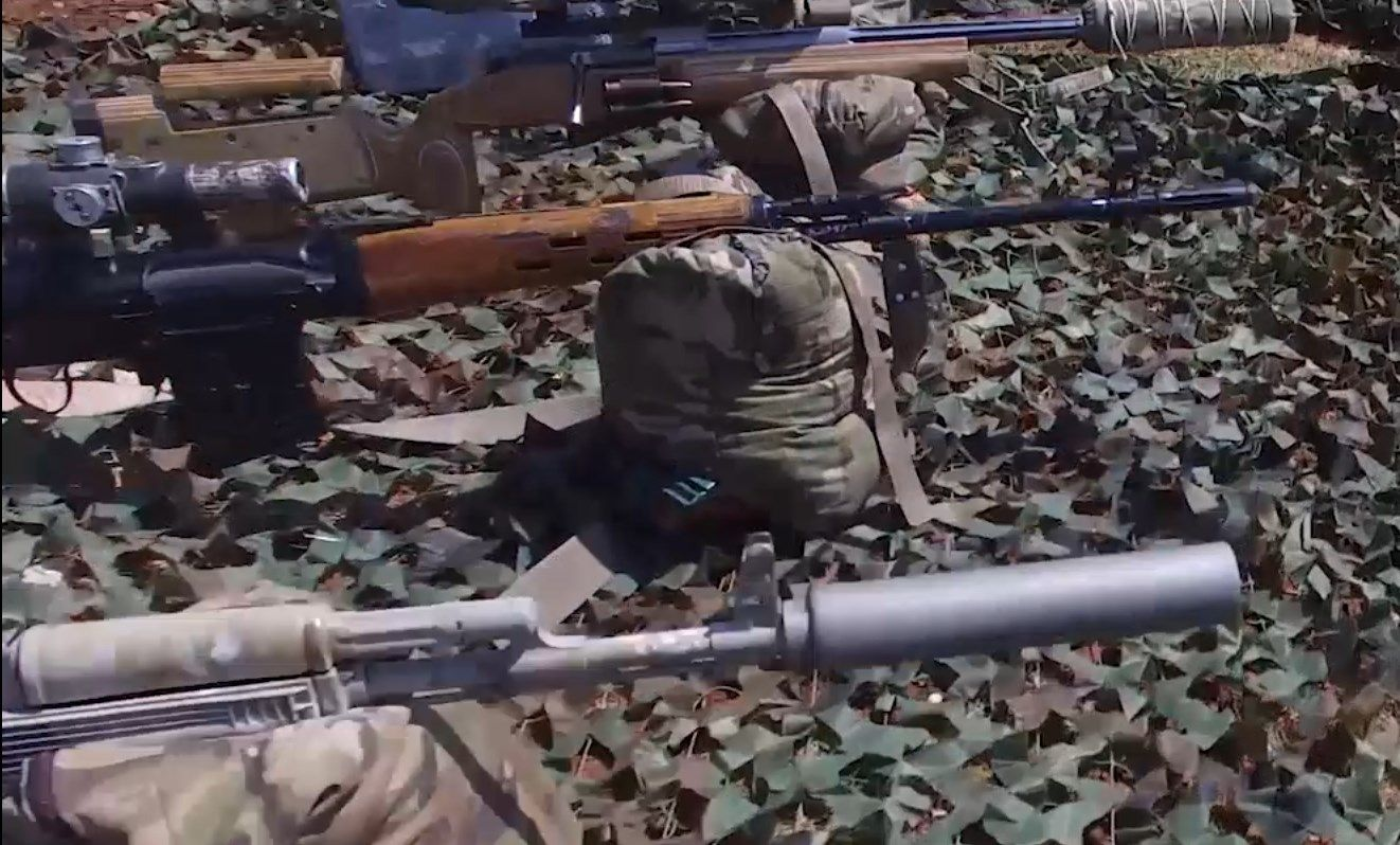 The Albanian Sniper Squad in Syria and their Weapons